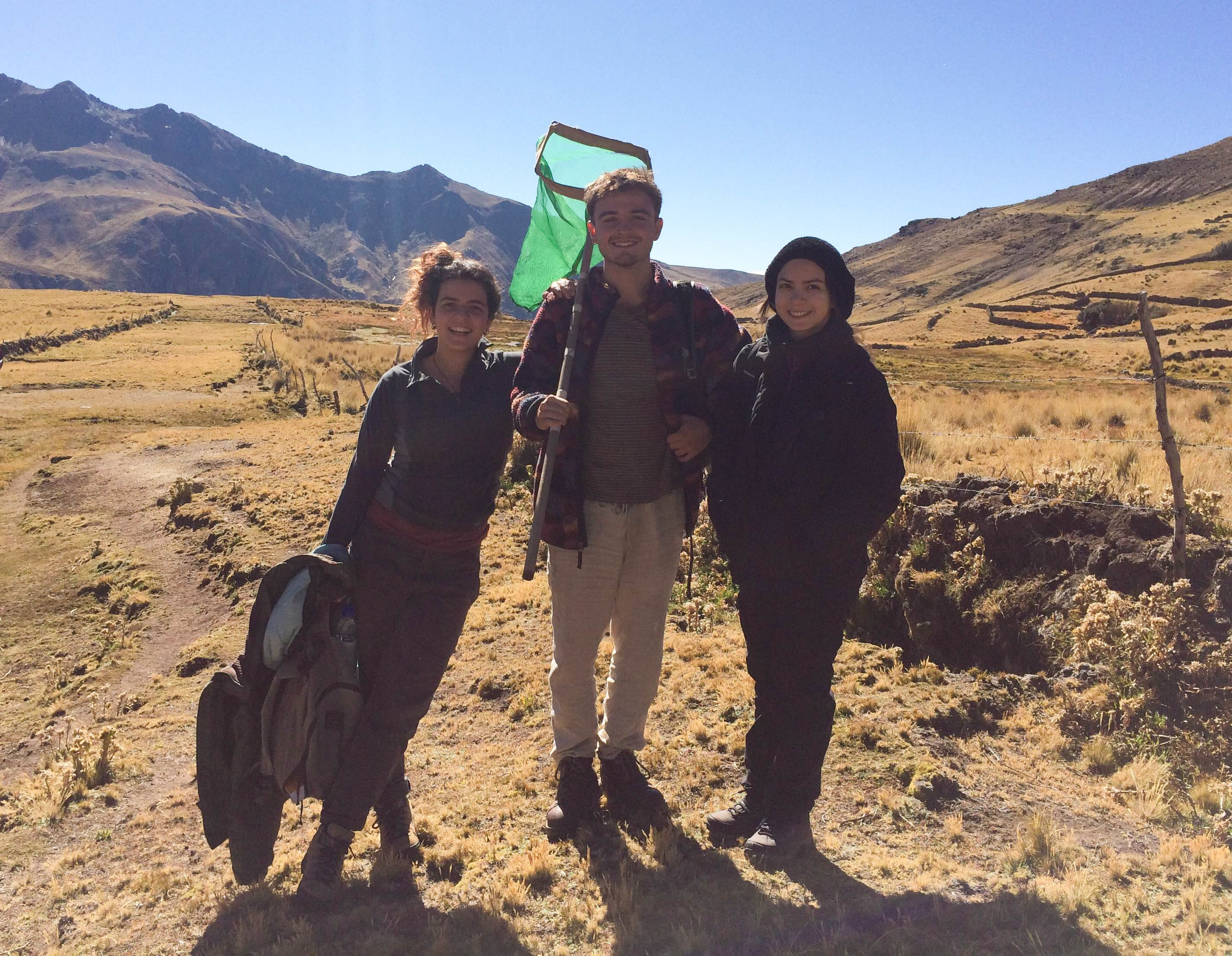 Using macroinvertebrates to research water acidification in Peru