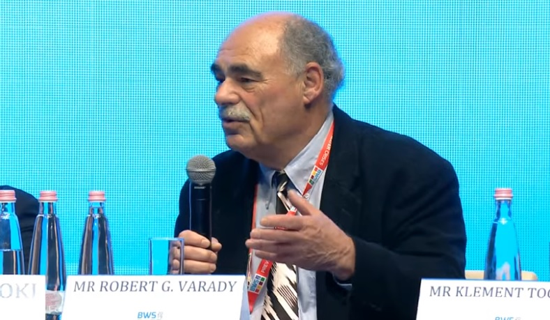 Robert Varady discusses the threats to science at the Third Budapest Water Forum